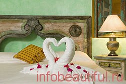 How to create a romantic bedroom