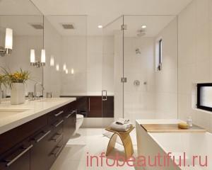 Убранная ванна в доме